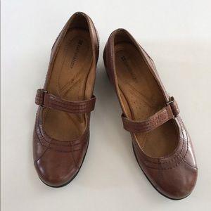 Naturalizer MaryJane leather wedge shoes 9-9.5 EUC